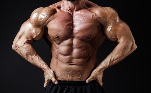 マッチングアプリでダメな男性の写真、筋肉例